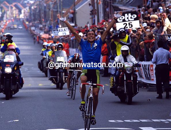 Maurizio Fondriest wins the 1988 World Championships
