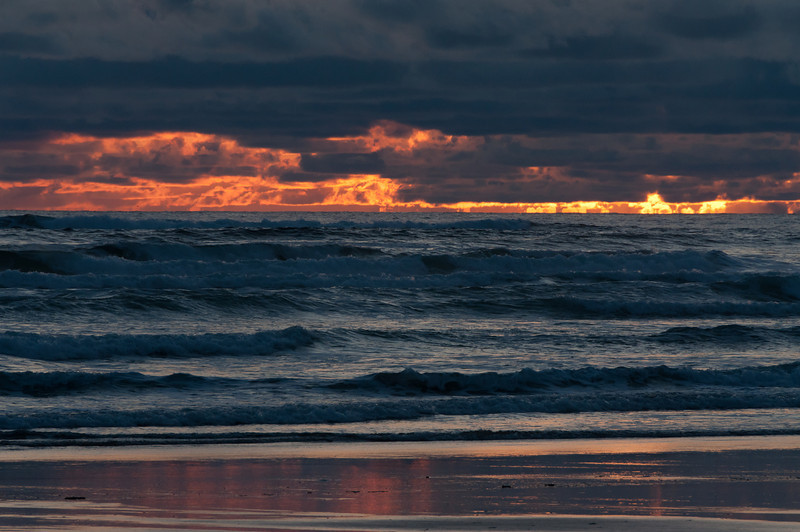 Final Light - Manzanita, OR 2011