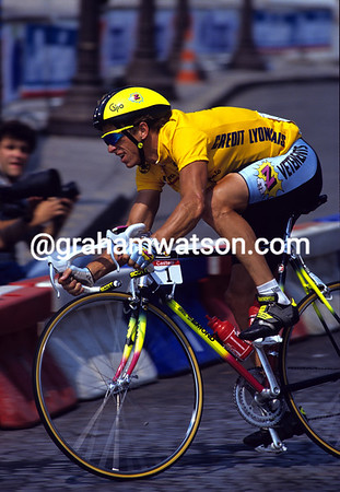 Greg Lemond races in Paris at the end of the 1990 Tour de France.