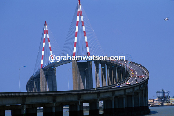 A Bridge Too Far - The 1996 Tour peloton races across the Pont de Saint-Nazaire