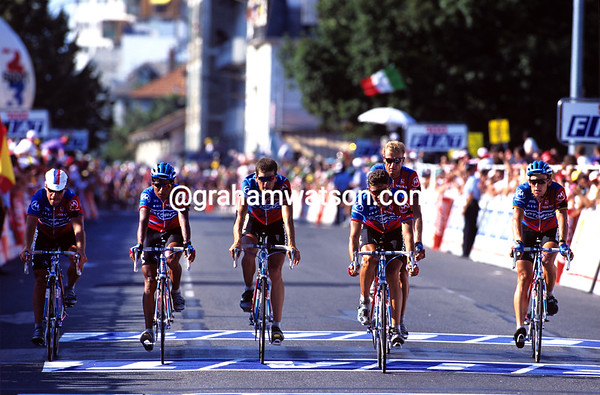 A Sad Day - The Motorola team finishes stage 16 of the 1995 Tour in a tribute to their dead teamate, Fabio Casartelli.