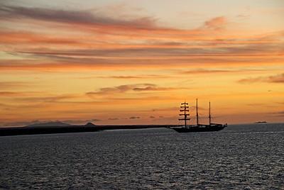 Charlotte_Brennand-sunset_Galapagos