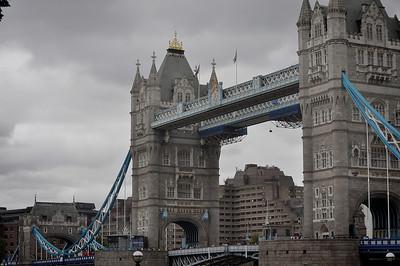 allie_porter-tower bridge