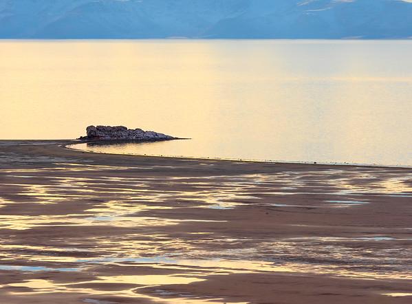 Thomas_Horton_White_Rock_Beach_in_Winter