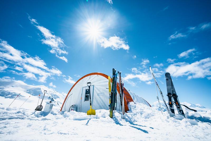 Skiing Basecamp in Kluane NP, Yukon 2018