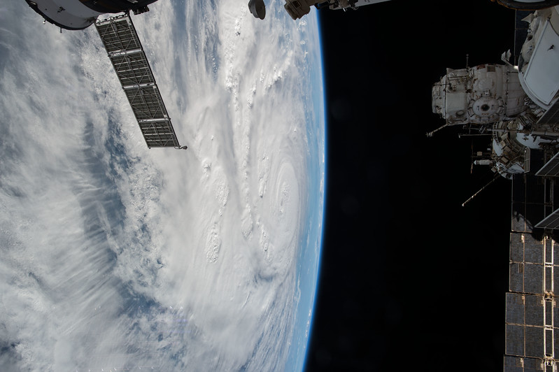 iss052e074818