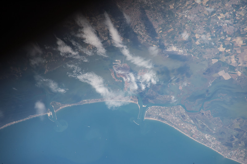 iss052e069957