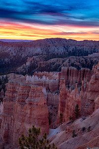 Sunrise at the Amphitheatre in Bryce National Park