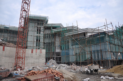 Here's the secdond part of the panorama -- the fossil hall will be the part on the right that is covered with scaffolding.