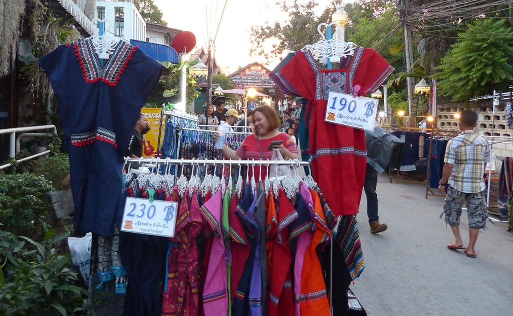Chiang Mai Waking Street Market