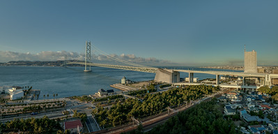 The Akashi-Kaikyō Bridge with 3,911meters lenght the longest suspensiion bridge of the world, linking Kobe to Awaji shima, seen from my room in the hotel Maiko. Assembled from 4 sets of portrait shots each emblended from three exposures at  f5, f10 and f20 emblended before stiched to a panorama. Taken with the tripod, of course with the 24-105 at 33 mm. Not the sharpest lens I have but the one at hand.