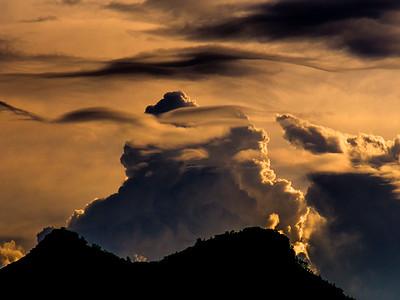 Clouds Con Brio
