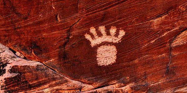Foot Petroglyph of Coal Canyon