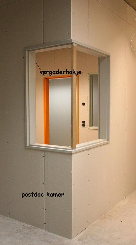 23 november 2005 Vanuit een postdoc kamer met uitzicht op het vergaderhokje.