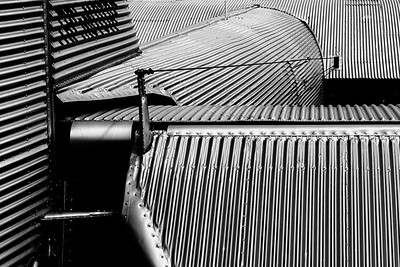 Leading Lines on a Flying Machine