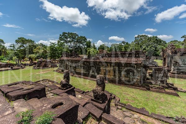 Galleries at Wat Bakong