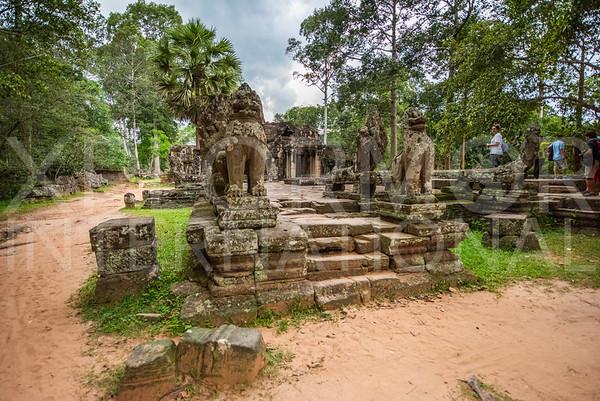 Gaurdian Lions at Banteay Kdei