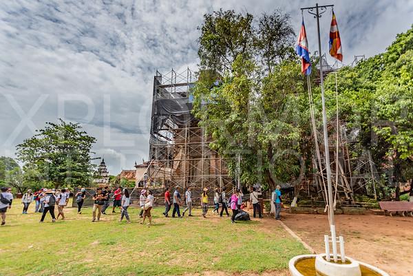 Tourists at Lolei