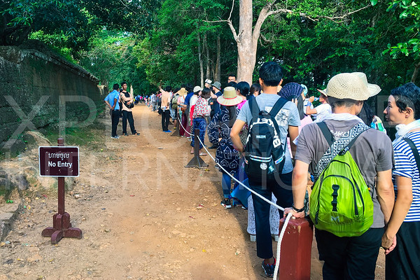 Tourists waiting in Line at Phnom Bakheng