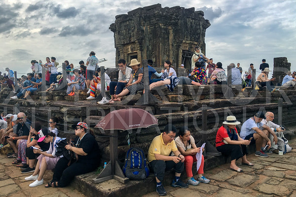 Tourists waiting ito Watch Sunset at Phnom Bakheng