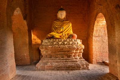 Buddha Statue at Mimalaung Kyaung