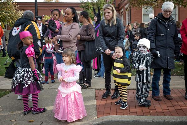 ES - Halloween Parade-2015-14