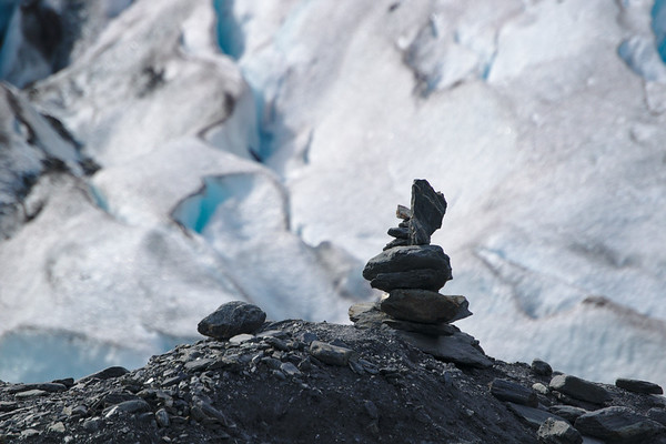 A small cairn in front of the Worthington Glacier.