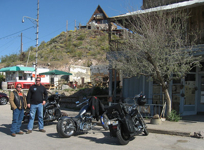 Rome and Bob in Oatman