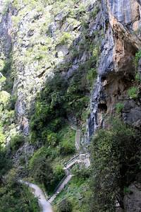 Caves 192.jpg