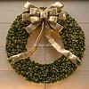 A Christmas wreath, 5th Avenue, New York