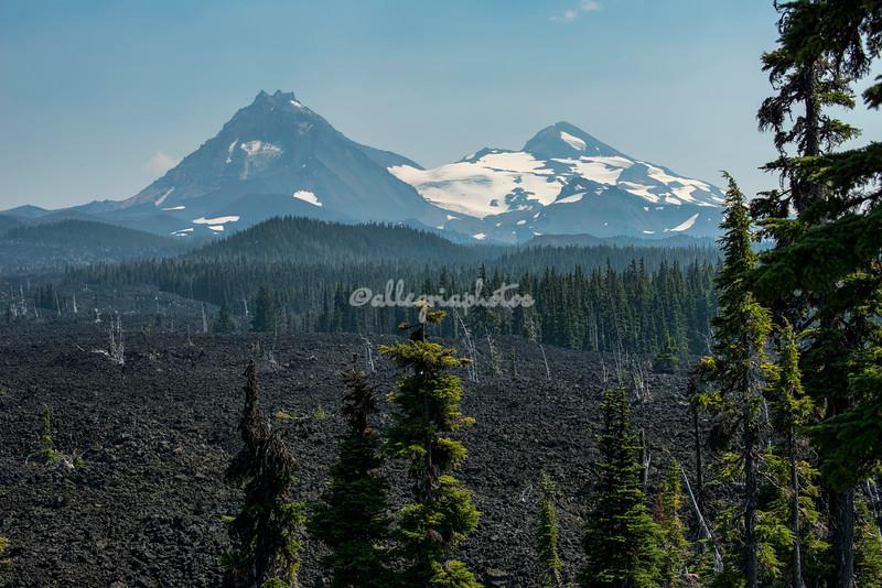 Three Sisters Peaks, Oregon