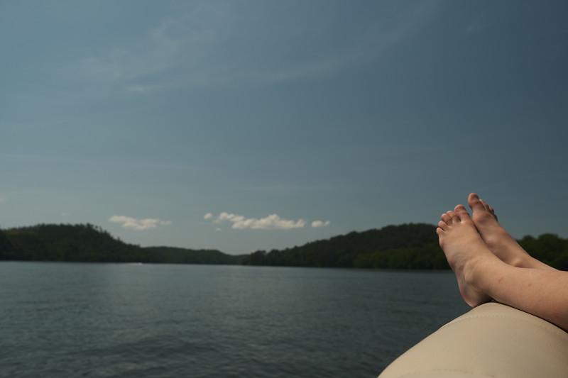 lyla's feet on the boat