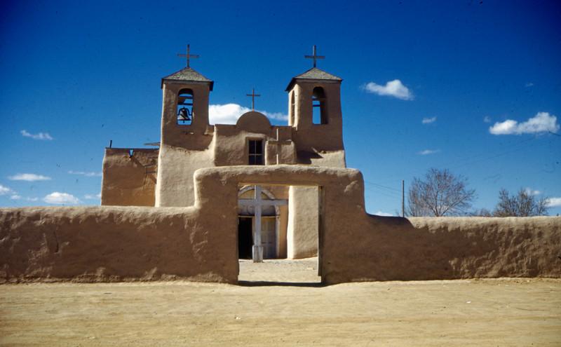 1953 (est) Taos Puebl;o