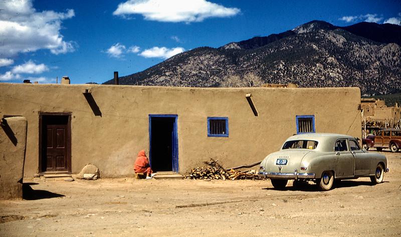 1953 (est) Taos Puebloo
