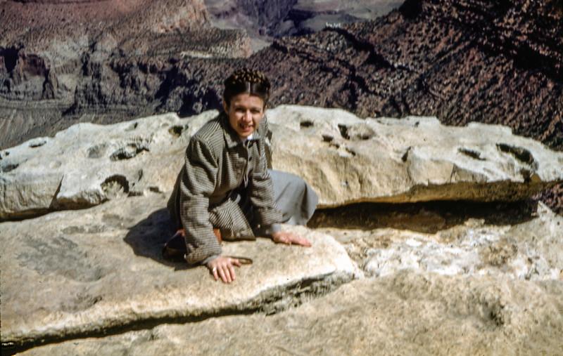 1953 (est) Navajo pueblo near Grand Canyon