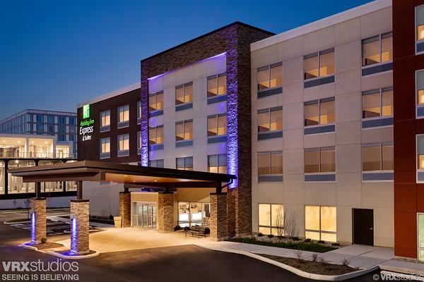 Holiday Inn Express & Suites Cincinnati NE - Red Bank Road