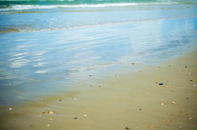 I love how the shoreline looks like glass.