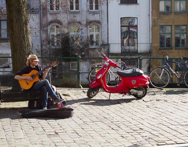 Street Tunes. Ghent, Belgium.