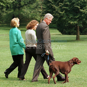 President Bill Clinton, First Lady Hillary and daughter Chelsea leave for vacation following the Impeachment Scandal.