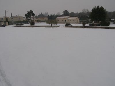 Petit stade (devant les écoles)