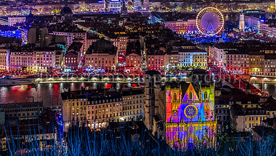 Lyon illuminée lors de la fête des Lumières le 8 décembre
