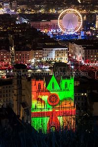 Cathédrale St-Jean illuminée lors de la fête des Lumières à Lyon