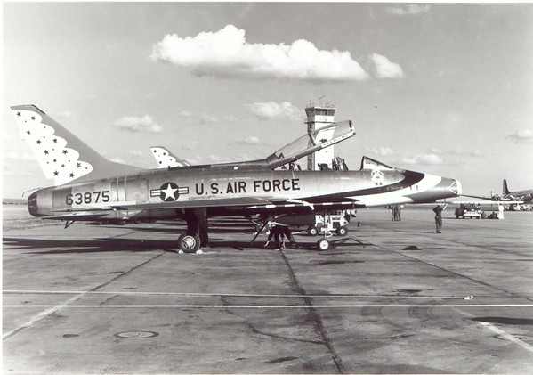 Thunderbirds F-100F 56-3875