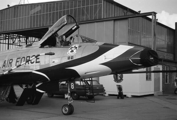 Thunderbirds F-100D EIGHT