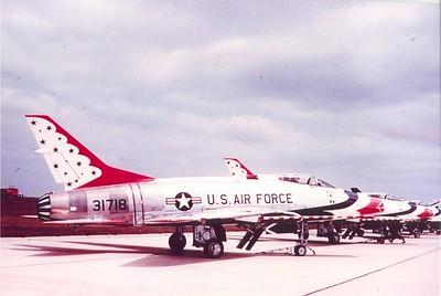 F-100C 53-1718 Thunderbirds