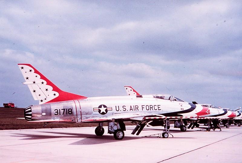 Thunderbirds F-100C 53-1718_2