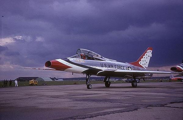 Thunderbird 9 F-100F 56-3927