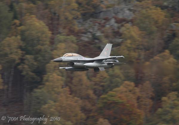 ET-615 F-16B - 14th October 2010.