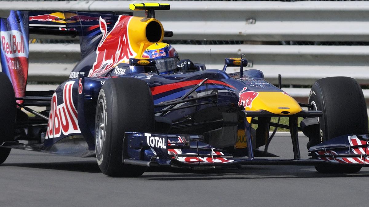 """Mark Webber photographed in the """"Epingle"""" at the Montreal F1 Grand Prix / Mark Webber dans l'Epingle pendant la fin de semaine du Grand Prix de Montréal 2010."""