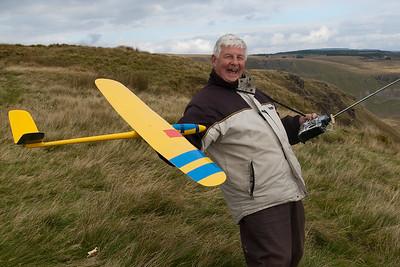 Tom MacPherson bending backwards to fly his Mini Ellipse